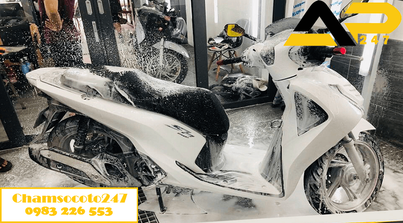 rửa xe máy sh