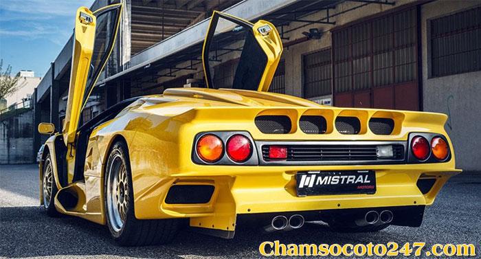 Lamborghini-Diablo-GT1-Stradale-3