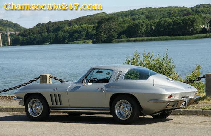 Chevrolet-Corvette-C2-1