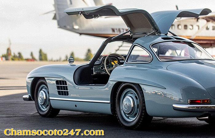 Mercedes-Benz-300SL-Gullwing-4