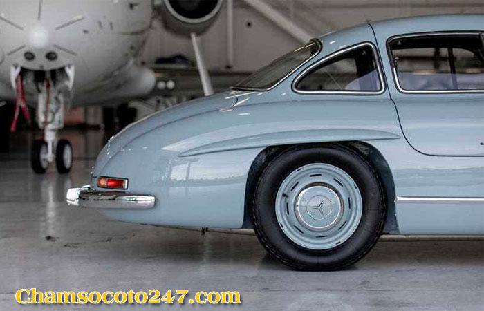Mercedes-Benz-300SL-Gullwing-7